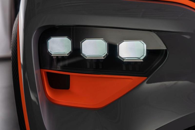 2020 - [Dacia] Spring (show car) 2ffd4e10