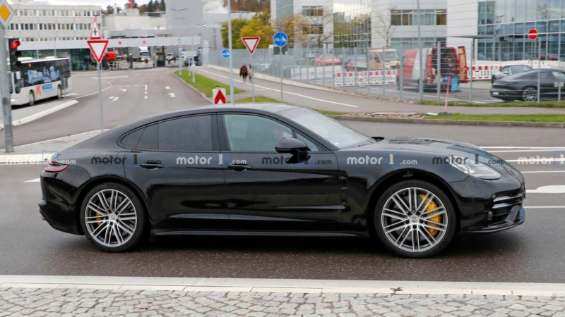 2020 - [Porsche] Panamera II restylée  30259310