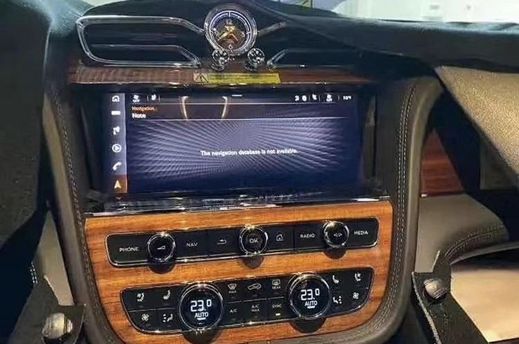 2015 - [Bentley] Bentayga - Page 13 3220fe10