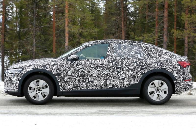 2020 - [Audi] E-Tron Sportback 38812010