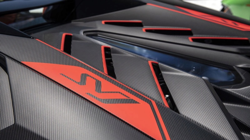 2011 - [Lamborghini] Aventador LP700-4 - Page 27 3ead1210