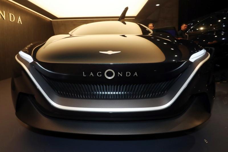 2018 - [Aston Martin] Lagonda Vision Concept  - Page 2 4b488110