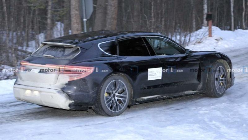 2020 - [Porsche] Taycan Sport Turismo 4d3b4710