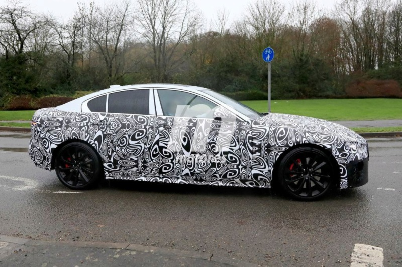 2019 - [Jaguar] XE restylée  4f406f10