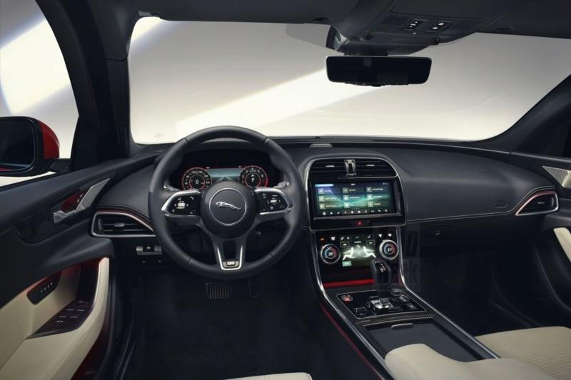 2019 - [Jaguar] XE restylée  52997010