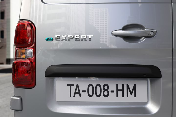 2016 - [Citroën/Peugeot/Toyota] SpaceTourer/Traveller/ProAce - Page 39 5437f710
