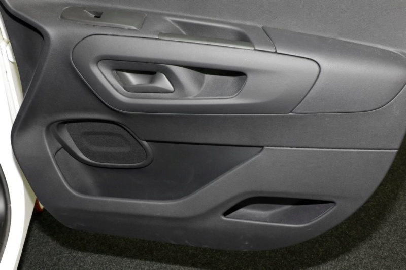 2018 - [Peugeot/Citroën/Opel] Rifter/Berlingo/Combo [K9] - Page 38 5cc1e210