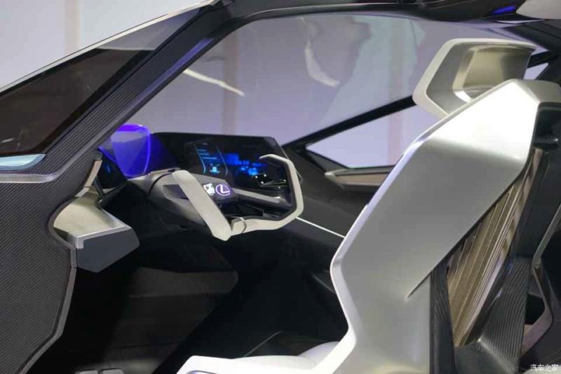 2019 - [Lexus] LF-30 Electrified Concept 5cf4d710