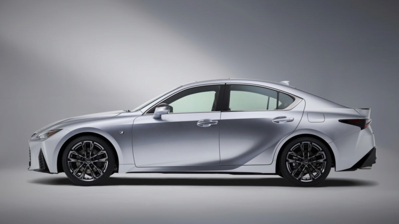 Lexus IS (2020) 29