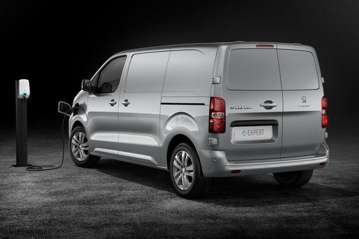 2016 - [Citroën/Peugeot/Toyota] SpaceTourer/Traveller/ProAce - Page 39 65cb1410