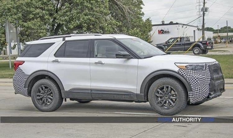 2019 - [Ford] Explorer - Page 4 665d1910