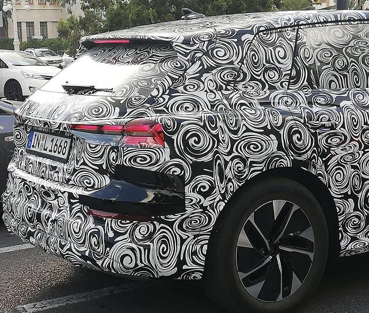 2020 - [Audi] Q4 E-Tron 6f420c10