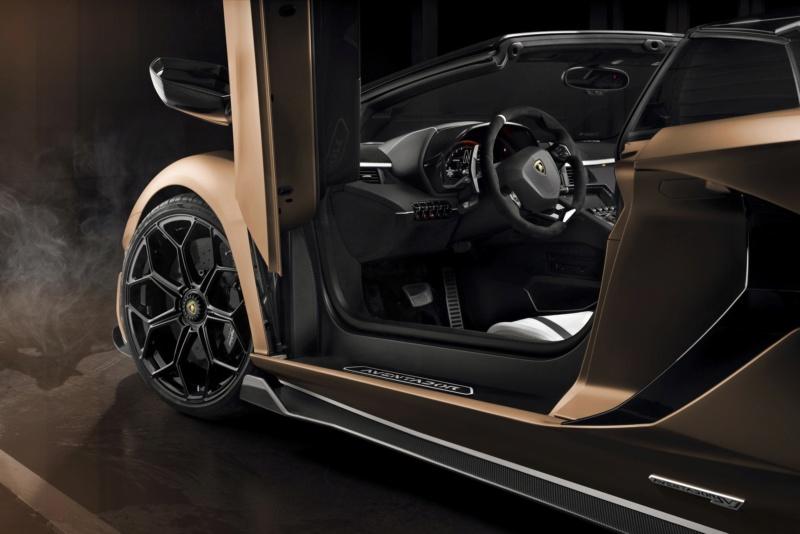 2011 - [Lamborghini] Aventador LP700-4 - Page 27 73671910