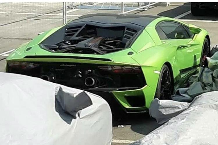 2011 - [Lamborghini] Aventador LP700-4 - Page 28 7c61ff10