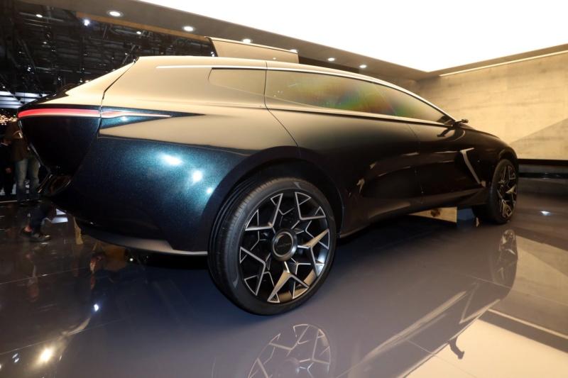 2018 - [Aston Martin] Lagonda Vision Concept  - Page 2 7d9a8a10