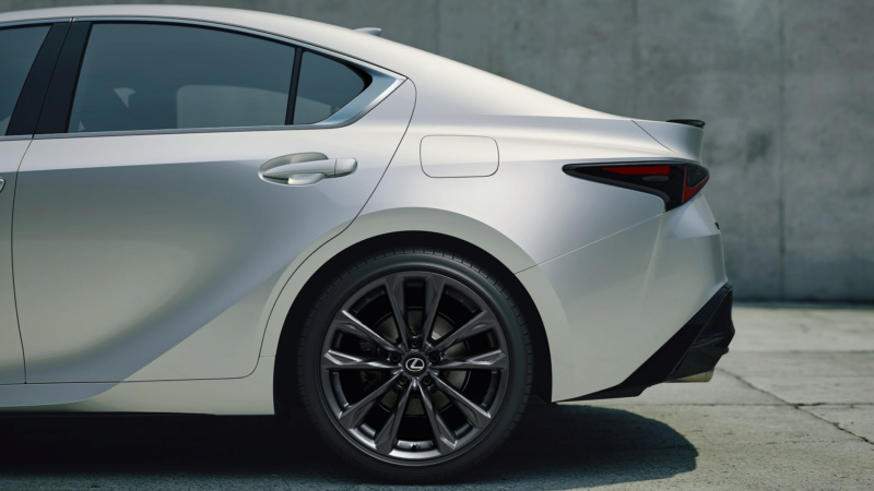 Lexus IS (2020) 55