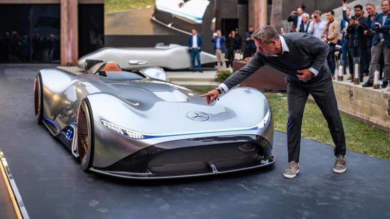 2018 - [Mercedes] EQ Silver Arrow Concept (Pebble Beach) - Page 2 80d32210