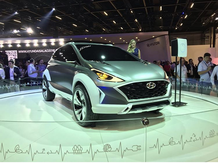2018 - [Hyundai] Saga Concept (Sao Paulo) 81b67010