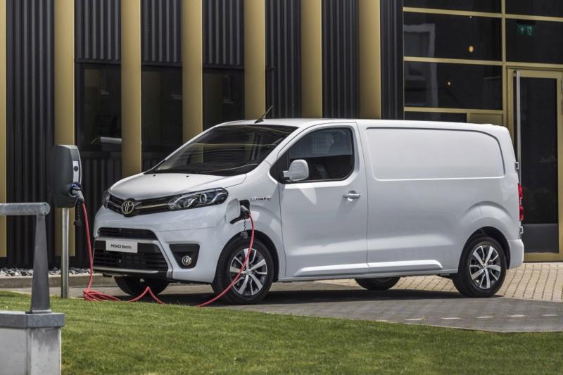 2016 - [Citroën/Peugeot/Toyota] SpaceTourer/Traveller/ProAce - Page 39 825c1010