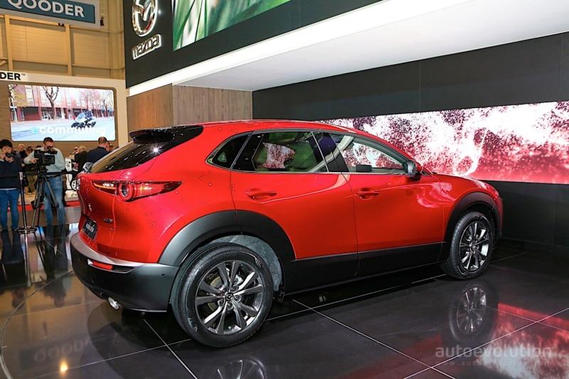 2019 - [Mazda] CX-30 85e60a10