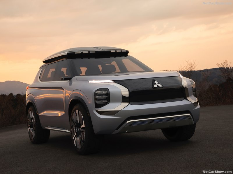 2019 -[Mitsubishi] Engelberg Tourer Concept 86679e10