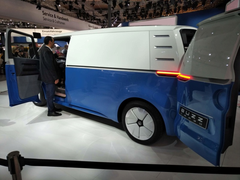 2017 - [Volkswagen] Electric VW Microbus concept - Page 2 94979210