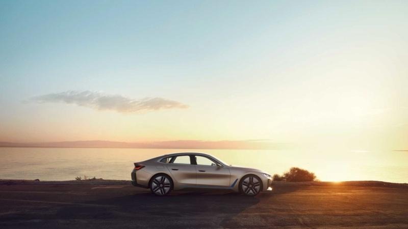2020 - [BMW] Concept I4 9596d910