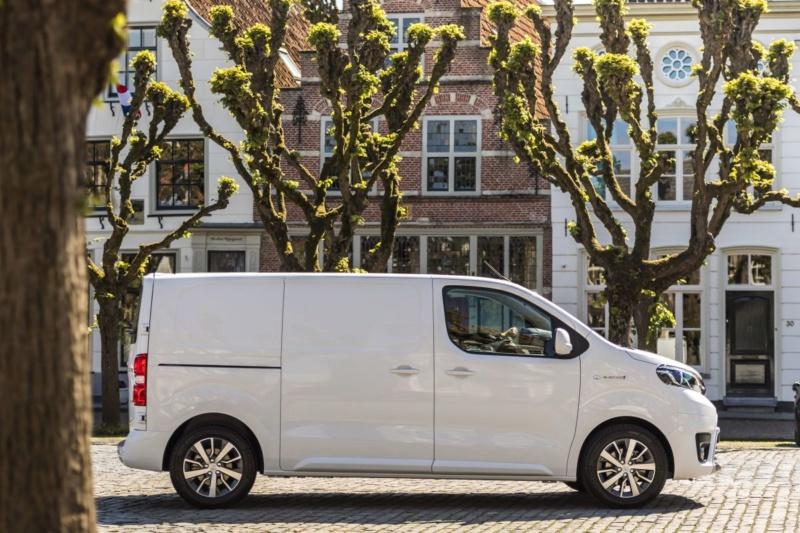 2016 - [Citroën/Peugeot/Toyota] SpaceTourer/Traveller/ProAce - Page 39 99c4b210
