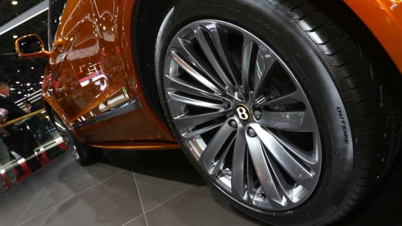 2015 - [Bentley] Bentayga - Page 12 9bdeab10