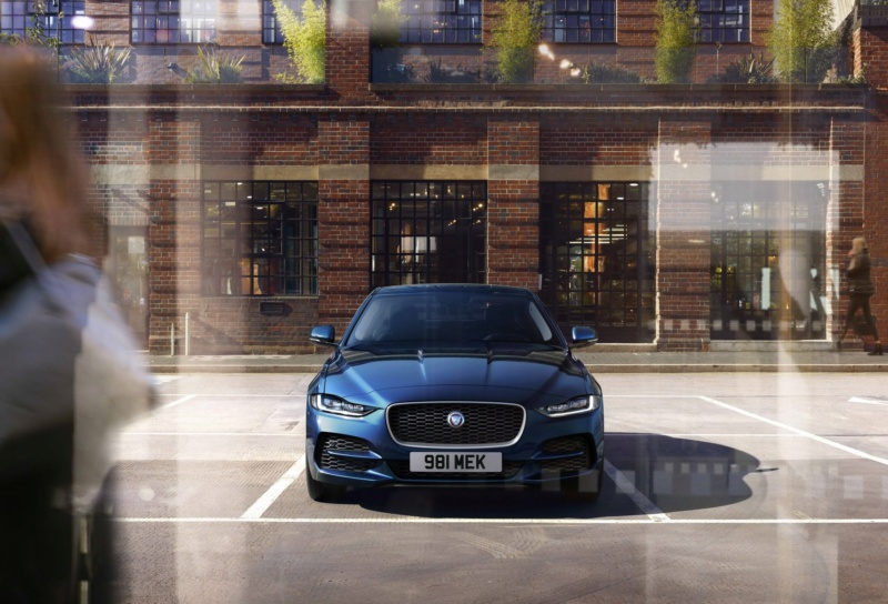 2019 - [Jaguar] XE restylée  9f17be10