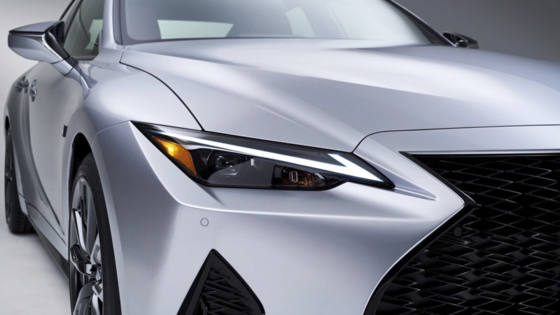 Lexus IS (2020) 33