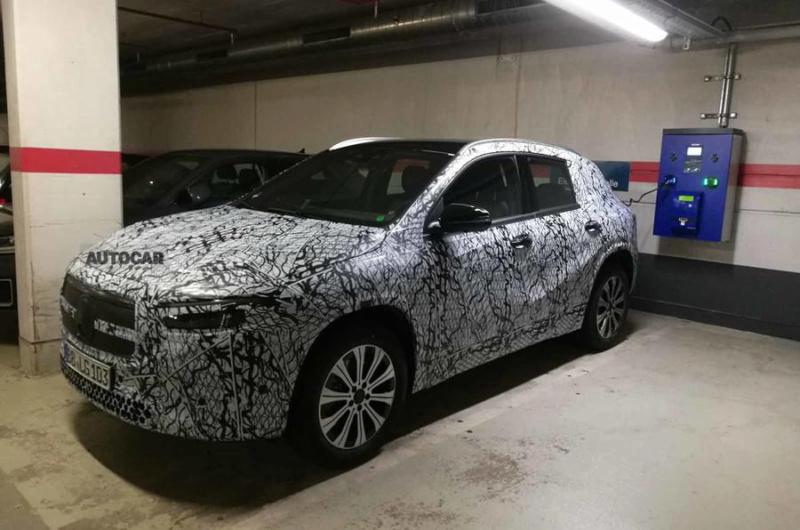 2021 - [Mercedes-Benz] EQB A16c1710