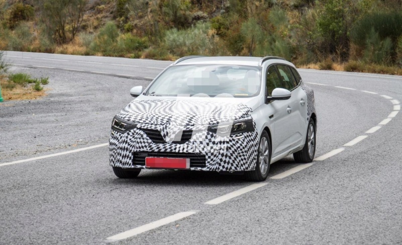 2019 - [Renault] Megane IV restylée  - Page 16 A2b40110