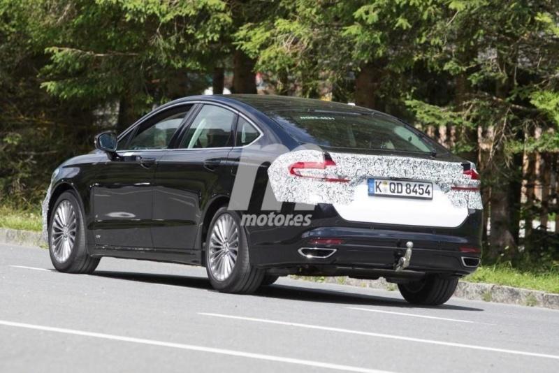 2018 - [Ford] Mondeo/Fusion V A492b110