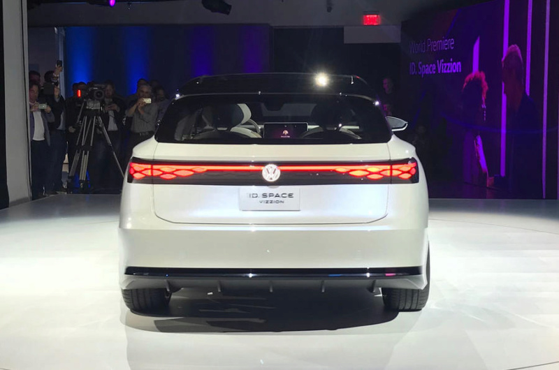 2019 - [Volkswagen] ID Space Vizzion - Page 2 A5c74d10