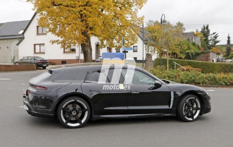 2020 - [Porsche] Taycan Sport Turismo A727