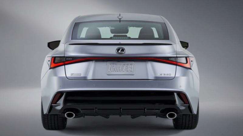 Lexus IS (2020) 32