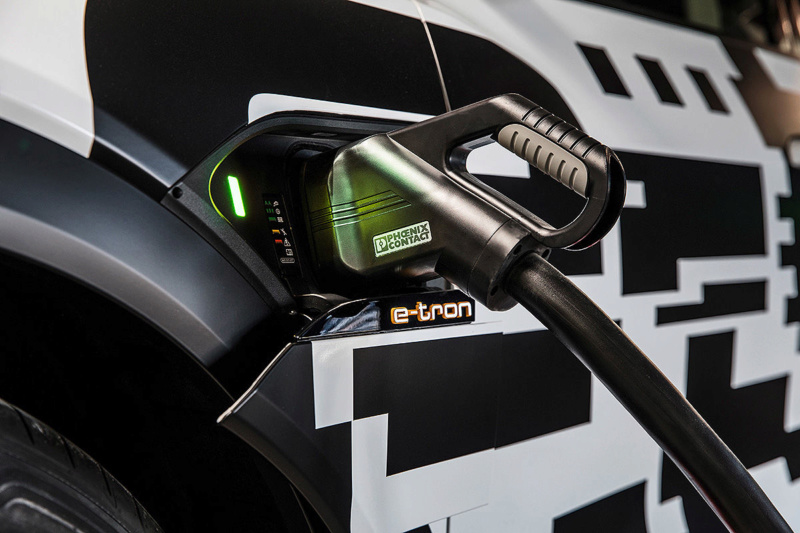 2018 [Audi] E-Tron Quattro - Page 4 Audi-e16