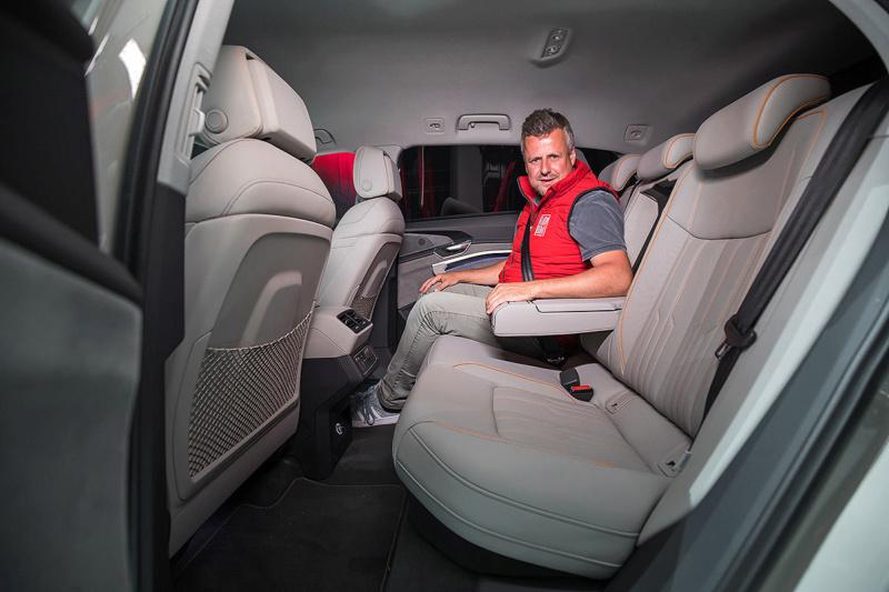 2018 [Audi] E-Tron Quattro - Page 4 Audi-e22