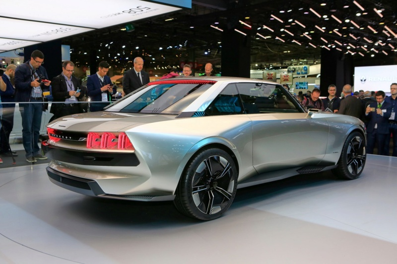 2018 - [Peugeot] e-Legend Concept - Page 14 B01bb210