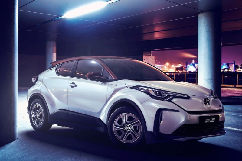 2016 - [Toyota] C-HR - Page 9 B07bed10