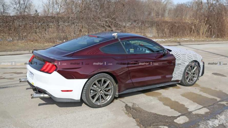 2021 - [Ford] Mustang VIII B3393310
