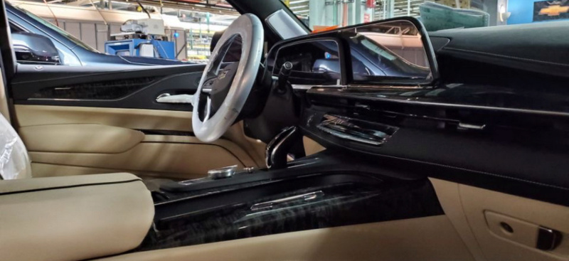 202 - [Cadillac] Escalade V Bd85f810