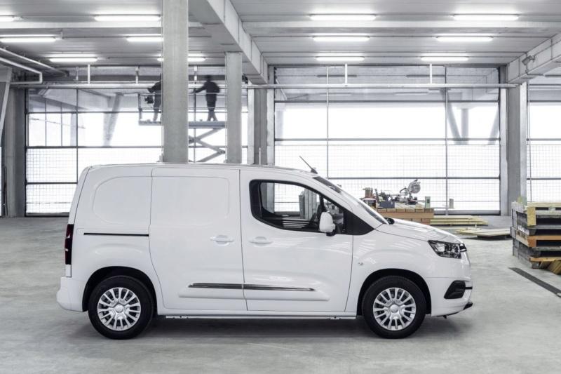 2018 - [Peugeot/Citroën/Opel] Rifter/Berlingo/Combo [K9] - Page 3 C0f24110
