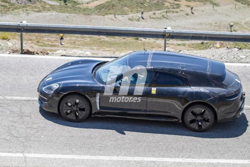2020 - [Porsche] Taycan Sport Turismo C34fb210