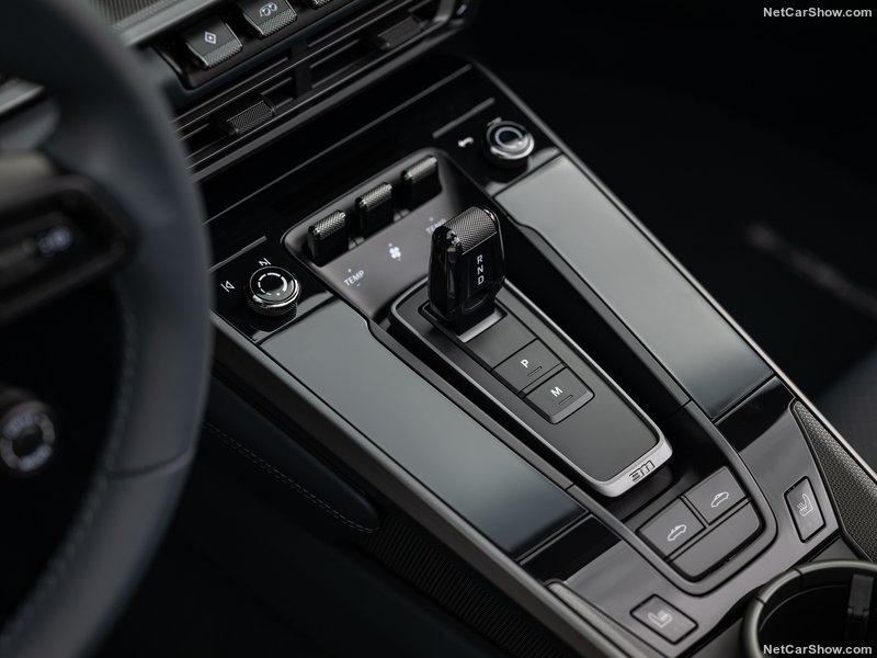 2018 - [Porsche] 911 - Page 20 C5597c10