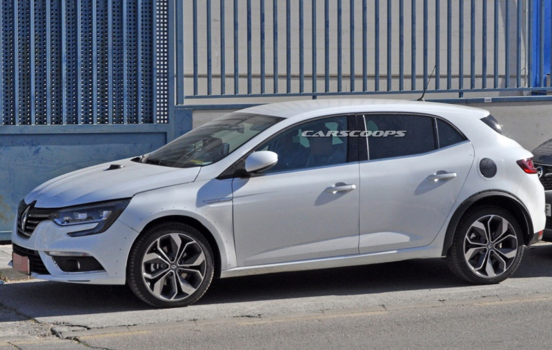2019 - [Renault] Megane IV restylée  - Page 9 C658c510