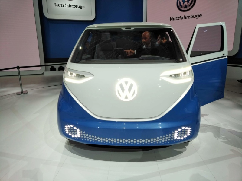 2017 - [Volkswagen] Electric VW Microbus concept - Page 2 Cd0bad10