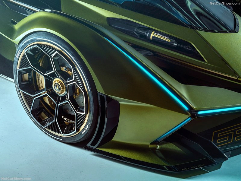[Actualité] Lamborghini  Cdf66e10
