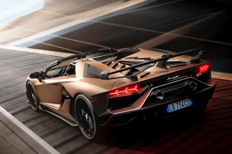 2011 - [Lamborghini] Aventador LP700-4 - Page 27 D1437e10